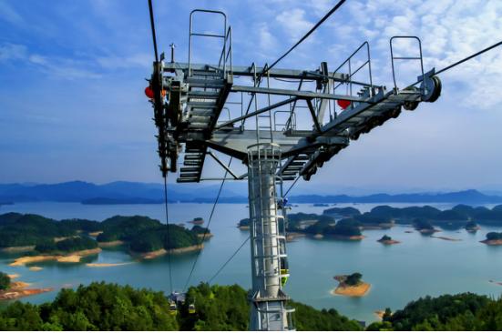 杭州千岛湖索道有限公司自梅峰索道1999年9月28日建成开业成立,主营